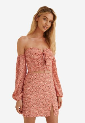 Blouse - painted floral coral