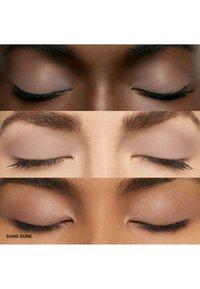 Bobbi Brown - LONG WEAR CREAM SHADOW STICK - Eye shadow - dc9269 sand dune - 2