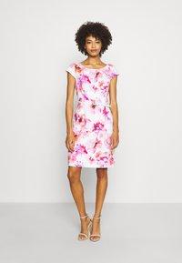comma - KURZ - Day dress - white - 0