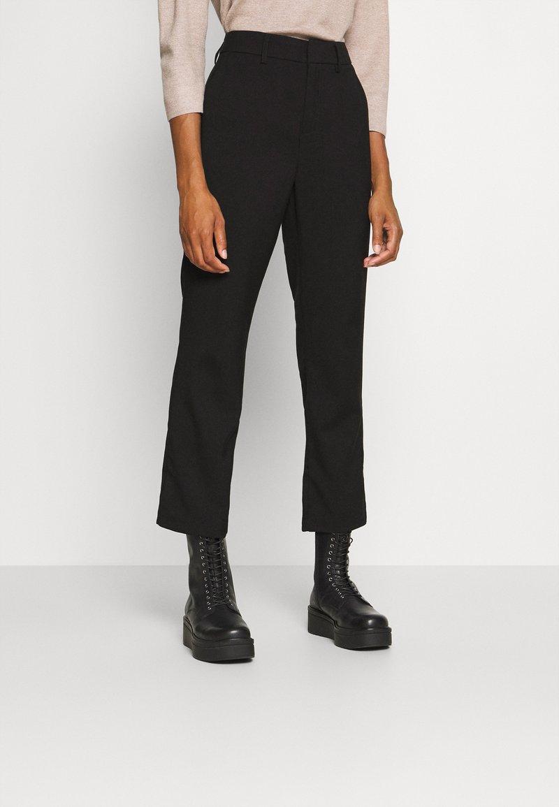 Kaffe - KAMERLE 7/8 PANTS - Kalhoty - black deep