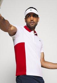 Lacoste Sport - TENINS  - Funkční triko - white/red/cosmic black - 4