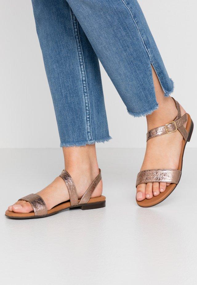 Sandaalit nilkkaremmillä - rosato