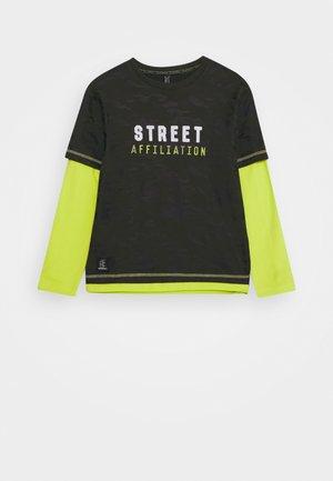 BOYS LONGSLEEVE DOUBLE LOOK STREET - Top sdlouhým rukávem - army green