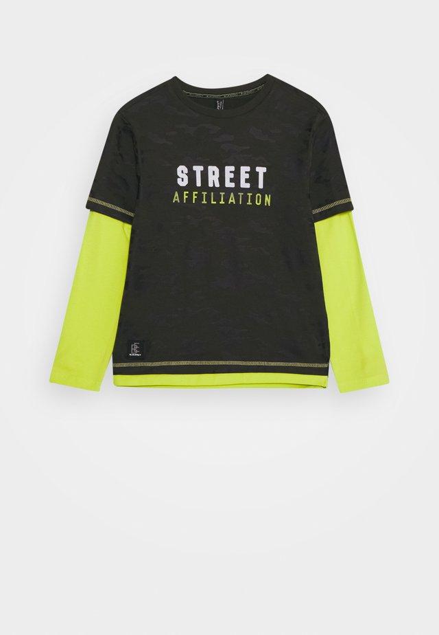 BOYS LONGSLEEVE DOUBLE LOOK STREET - Maglietta a manica lunga - army green