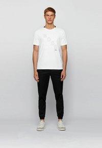 BOSS - T-Shirt print - white - 1