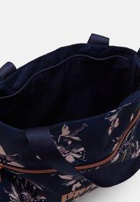 Puma - CORE SHOPPER - Tote bag - peacoat/rose gold - 2