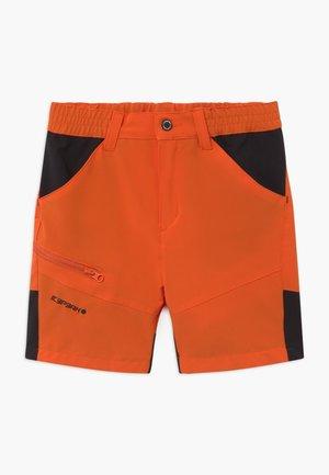 KOCHI - Pantalón corto de deporte - burned orange