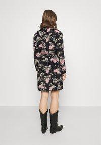 Pieces - PCPAOLA LS DRESS - Shirt dress - black - 2