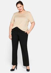 Sheego - Basic T-shirt - beigefarben - 1