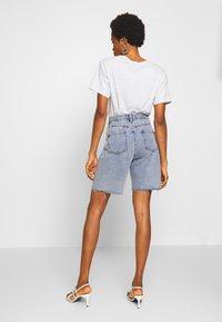 Missguided - Shorts di jeans - denim blue - 2