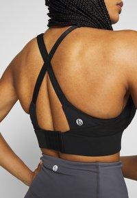 Cotton On Body - WORKOUT TRAINING CROP - Sujetador deportivo - black - 5