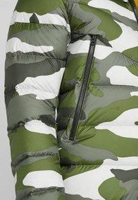 Nike Sportswear - Vinterjacka - medium olive/sequoia - 5