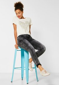 Street One - GRAUE  - Slim fit jeans - schwarz - 1