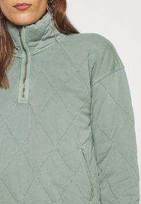 Abercrombie & Fitch - QUILTED ZIP - Light jacket - green - 5