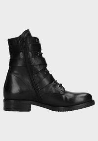 Manfield - Cowboy/biker ankle boot - black - 4