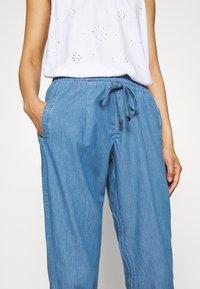 Betty & Co - Trousers - blue denim - 4