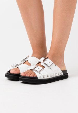 MEDINA BUCKLE TWO STRAP - Pantofle - white/black