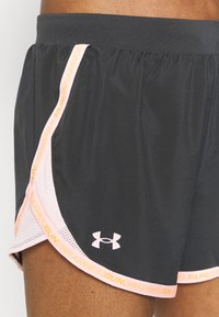 Under Armour - FLY BY 2.0 BRAND SHORT - Sports shorts - jet gray - 4