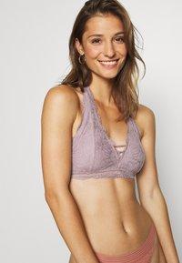 Gilly Hicks - FLORAL HALTER - Triangle bra - pink - 3