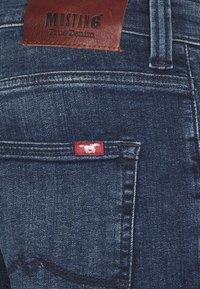 Mustang - OREGON  - Jeans Tapered Fit - denim blue - 7