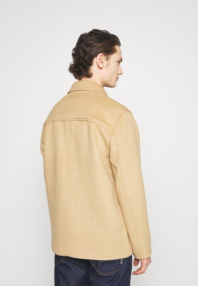 CHORE COAT - Lett jakke - camel