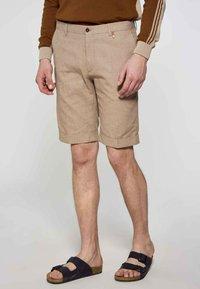 MDB IMPECCABLE - Shorts - brown - 0