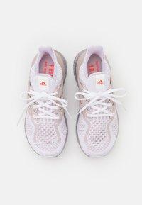 adidas Performance - ULTRABOOST  - Matalavartiset tennarit - white - 2