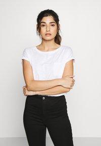 New Look Petite - 2 PACK - Basic T-shirt - black - 3
