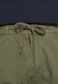 INDICODE JEANS - LEVI - Cargo trousers - army - 5