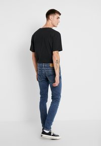 Nudie Jeans - SKINNY LIN - Jeans Skinny Fit - dark blue navy - 2