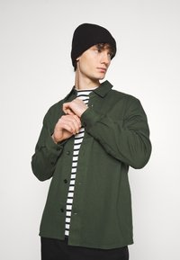 ARKET - Košile - green dark - 3