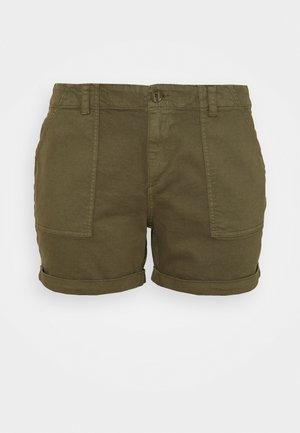 VMBARB UTILITY - Shorts - ivy green