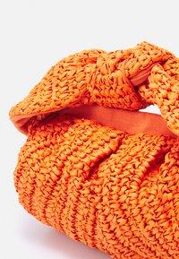 Rejina Pyo - NANE - Bolso de mano - orange - 3
