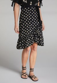 Oui - A-line skirt - black offwhite - 0