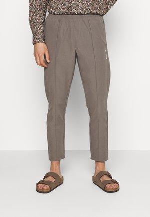 HANSI TRACK PANT - Trousers - grey