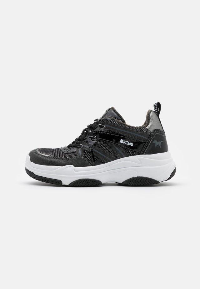 Baskets basses - graphit/schwarz