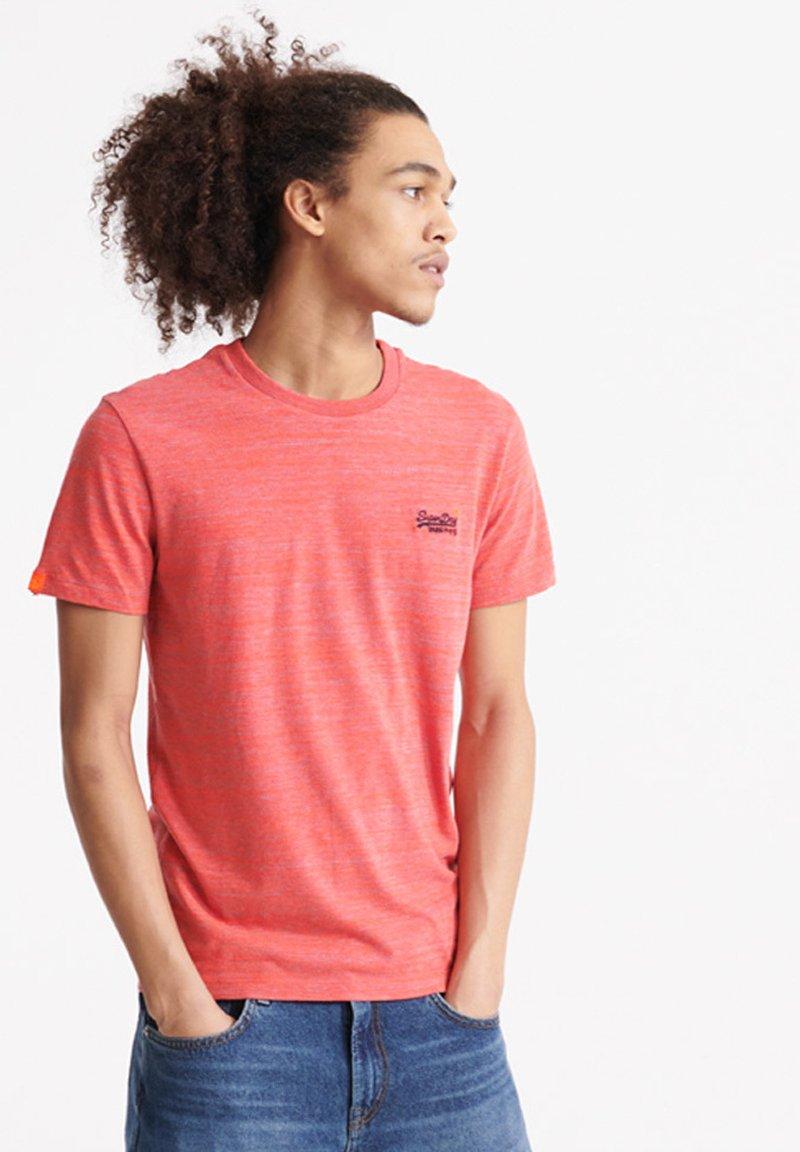Superdry - VINTAGE CREW - Basic T-shirt - volcanic orange space dye
