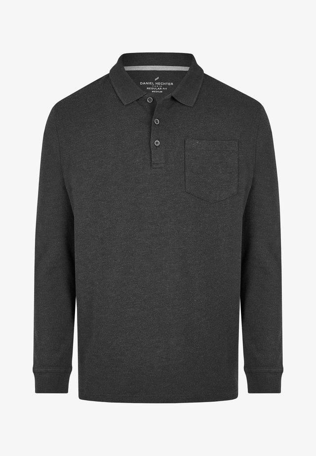 ESSENTIAL - Polo shirt - schwarz