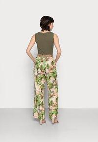 Emily van den Bergh - Trousers - multi-coloured - 2
