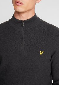 Lyle & Scott - MOSS STITCH 1/4 ZIP  - Maglione - charcoal marl - 4
