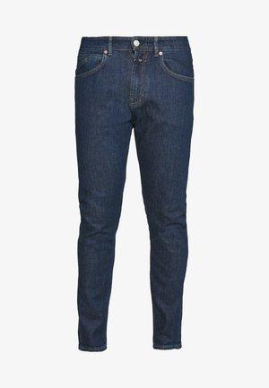 COOPER TAPERED - Zúžené džíny - dark blue