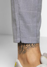 Kings Will Dream - BOLO SMART JOGGERS  - Tygbyxor - grey - 3