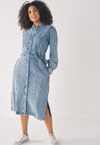 Next - Denimové šaty - light blue - 0