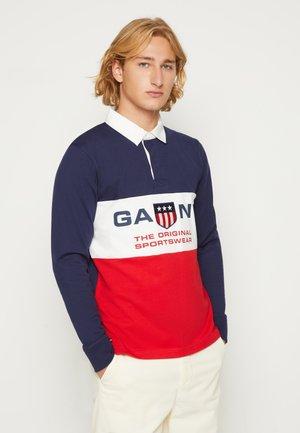 RETRO SHIELD HEAVY RUGGER - Sweatshirt - bright red