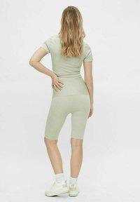 MAMALICIOUS - Shorts - desert sage - 2