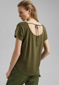 edc by Esprit - Print T-shirt - khaki green - 2