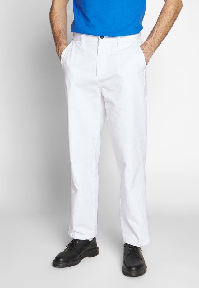 HARDWORK CARPENTER PANT  - Džíny Straight Fit - white
