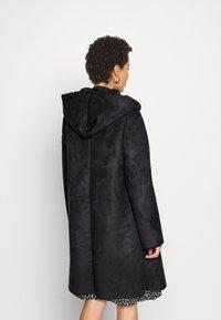 Derhy - SALABAGUE VESTE - Klasický kabát - black - 2