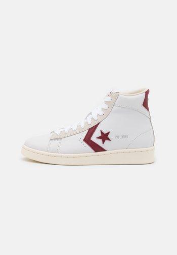 PRO OG UNISEX - High-top trainers - white/team red/egret