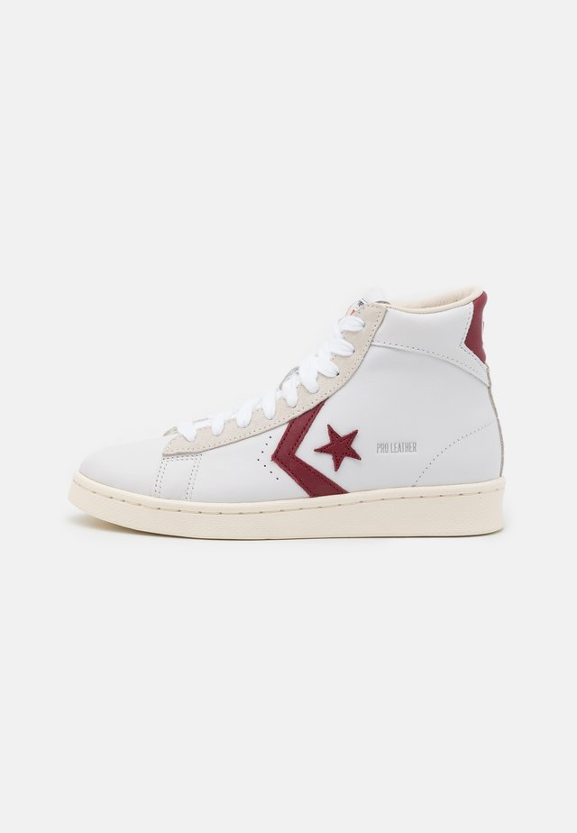 PRO OG UNISEX - Sneakers hoog - white/team red/egret
